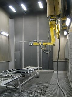 The Blastman B10S is a wall-mounted- blasting robot. The frame of the robot moves the telescope and robot arm in the longitudinal direction of the blast room on rails,which are fixed on the walls. The telescope moves the robot arm vertically on the frame. The robot arm directs and moves the blasting nozzles. The Blastman B10S robot typically consists of seven (7) robot axes.